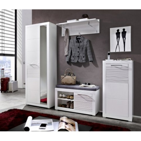 Мебель для прихожей: хитрости для малогабаритных квартир
