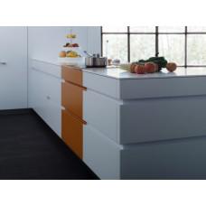 Плюсы и минусы кухонных шкафов без ручек